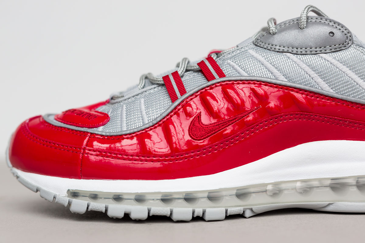 supreme-air-max-98-detailed-look-10